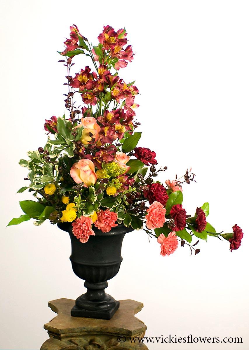 Sympathy flowers and plants vickies flowers brighton co florist funeral sympathy flowers 019 150 plus tax and delivery unique memorial flower arrangement izmirmasajfo