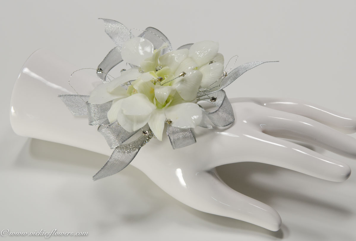 Corsage Boutonnieres Prom Homecoming | Vickie\'s Flowers | Brighton ...