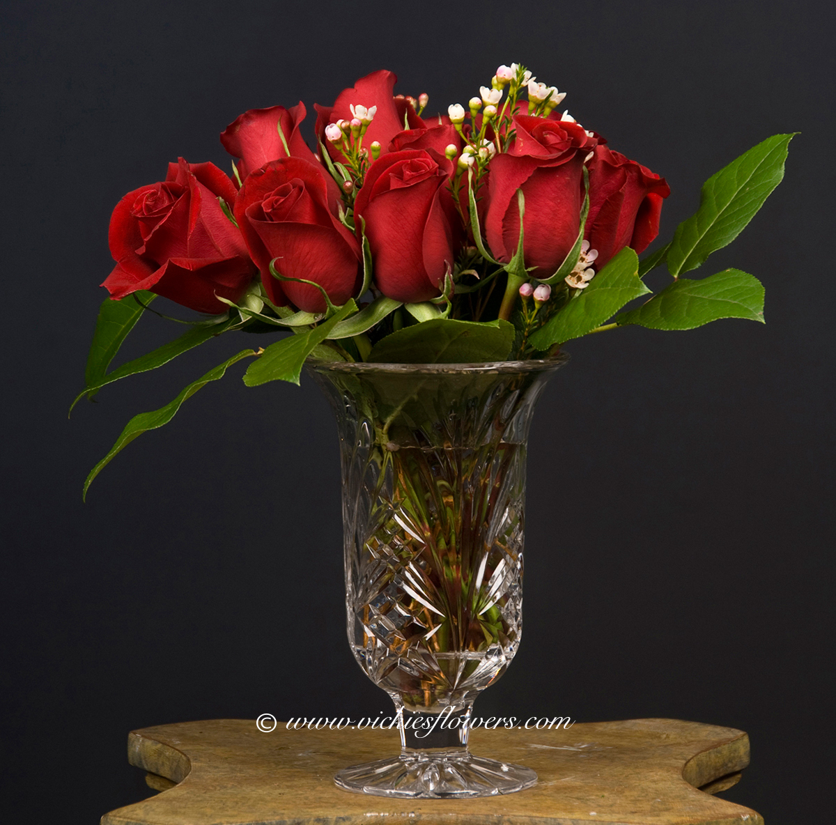 Fresh roses delivered today vickies flowers brighton co best roses r 010 75 plus tax and delivery one dozen red roses with wax flower in crystal vase vase may vary reviewsmspy