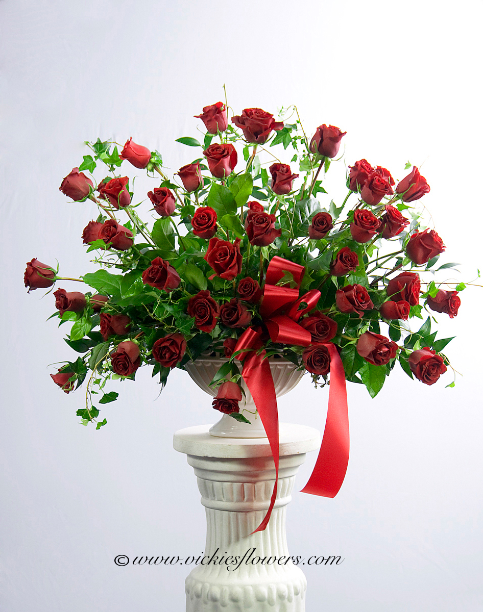 Vickies flowers brighton co florist roses r 020 300 plus tax and delivery 50 red roses with ivy dhlflorist Gallery