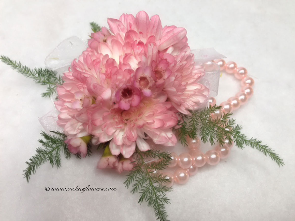 Wedding Corsages | Vickies Flowers | Brighton Colorado Florist