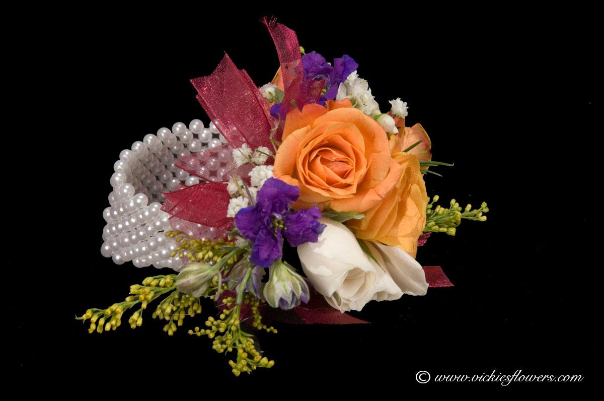 Ladies White Cala /& Orange Lapel//Wrist//Handbag Corsage