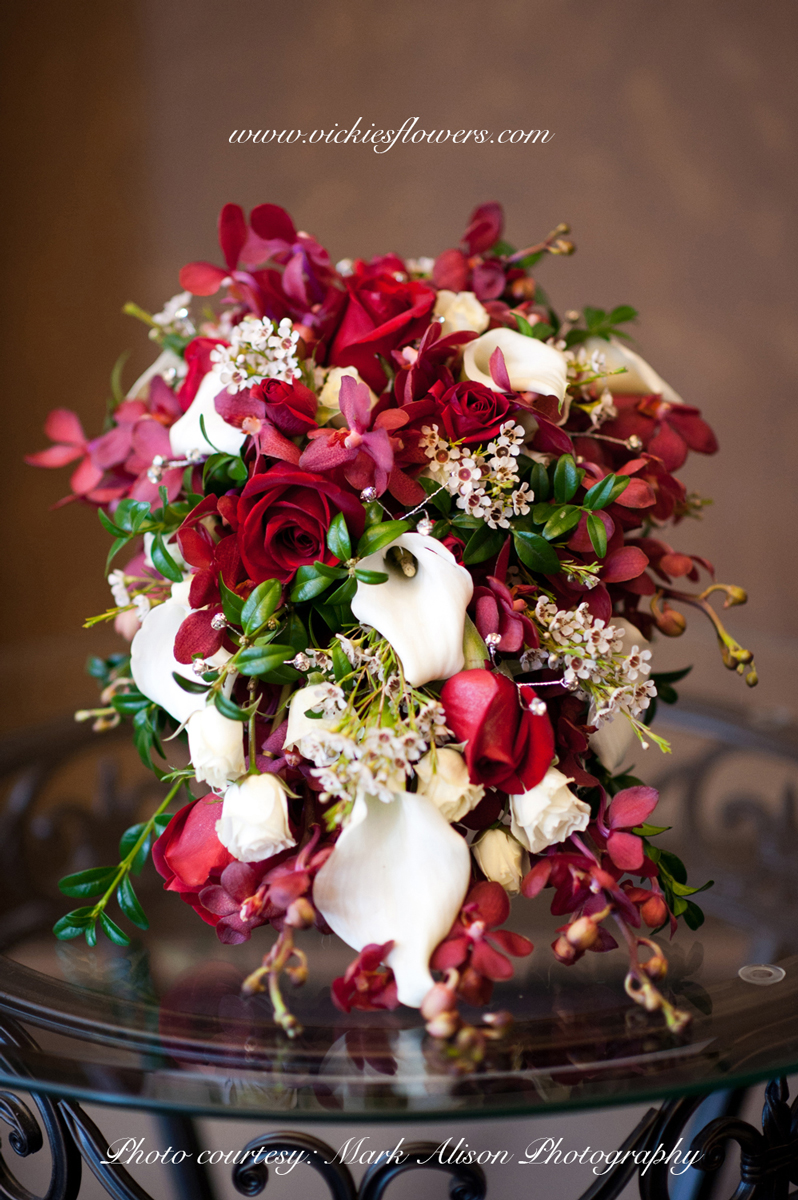 top 3 wedding bouquet flowers and colors vickies flowers brighton co florist. Black Bedroom Furniture Sets. Home Design Ideas